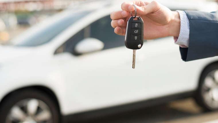 ¿Qué vehículos puede conducir con el permiso B?